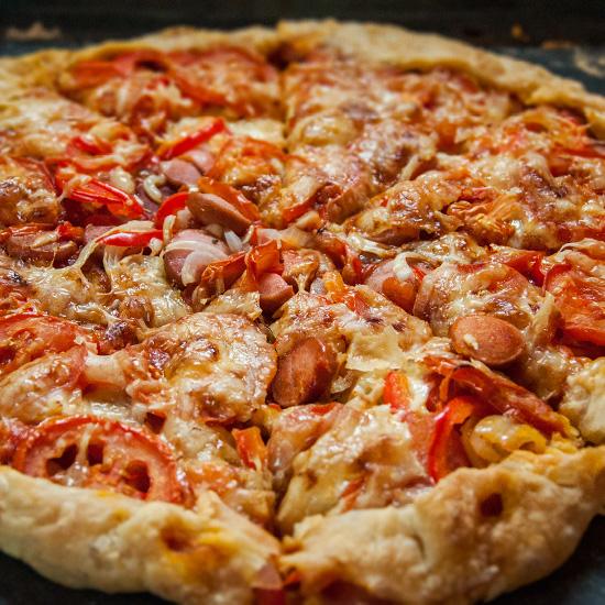 Пицца домашняя на слоёном тесте